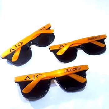 Óculos personalizado para casamento